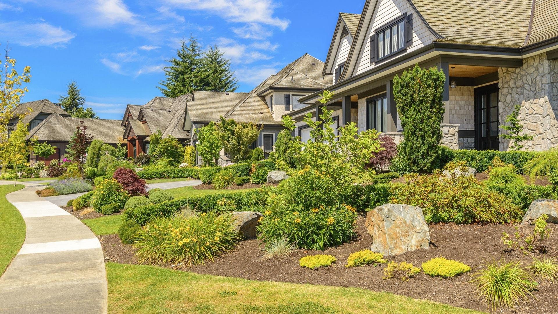 PR Landscaping Inc Commercial Property Maintenance slide 2